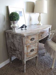 I have a desk just like this. I just need to paint it!