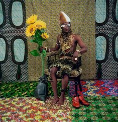 """Le chef qui a vendu l'Afrique aux colons,"" from Tati, 1997 © Samuel Fosso / Courtesy The Walther Collection and Jean Marc Patras / Galerie Institute Of Contemporary Art, Contemporary African Art, Contemporary Artists, Patras, Mobutu Sese Seko, Atelier Photo, Centre Pompidou Paris, Art Public, Hayward Gallery"