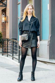 NYのストリートで見つけたモードシックな春のブラック