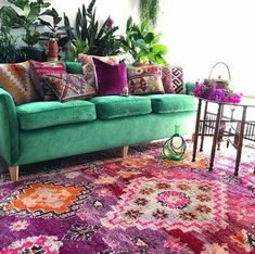 58 ideas living room decor Purple Green Velvet Couch room You are in the right place about bohemian living kitchen Here we offer you the most beautiful pictures about the bohemian living hippie … Living Room Decor Purple, Living Room Green, Living Rooms, Bedroom Green, Green Couch Decor, Green Couches, Purple Home Decor, Bedroom Decor, Dining Room Colors
