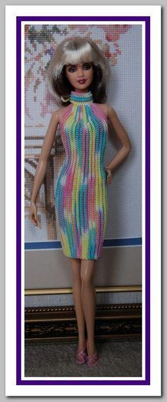Linda Barbie Knitting Patterns, Barbie Clothes Patterns, Crochet Barbie Clothes, Clothing Patterns, Barbie Top, Barbie Dress, Crochet Girls, Crochet Fashion, Beautiful Crochet