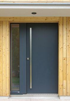 vchodove dvere skola - Hledat Googlem Garage Doors, Windows, Mirror, Outdoor Decor, Furniture, Home Decor, Style, Main Door, Swag
