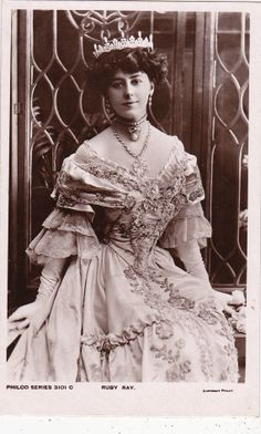 Beautiful Actress Ruby Ray in Awesome Gown & Tiara..circa 1908