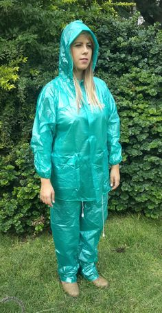 Blumenkleid Children Church Church Dress for girls dress für Vinyl Raincoat, Pvc Raincoat, Plastic Raincoat, Baby Nike, Pvc Trousers, Green Raincoat, Leather Jumpsuit, Vinyl Clothing, Plastic