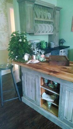Custom mini kitchen handcrafted from reclaimed 19thc pennsylvania pine www.springhousefurnishings.com