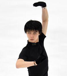 NHK Trophy 2015 || フィギュアスケートのグランプリ(GP)シリーズ最終戦、NHK杯の公式練習が26日、長野ビックハットで行われ、羽生結弦(20=ANA)が4回転を2本組み込んだ新… - 日刊スポーツ新聞社のニュースサイト、ニッカンスポーツ・コム(nikkansports.com)