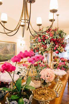 """Anna Beatriz Fagundes e Henrique de Almeida disseram o """"sim"""" com um casamento em casa. A decoração ficou por conta de MBacellar."""