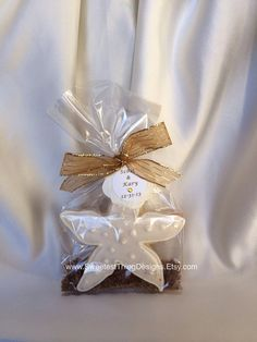 12 Starfish Cookie Favors / Wedding Favor / Bridal Shower by The Sweetest Thing - Designs and Events