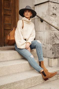 Jolene Turtleneck Sweater in Ivory – böhme Outfits With Hats, Mom Outfits, Stylish Outfits, Fall Winter Outfits, Autumn Winter Fashion, Summer Outfits, Casual Winter, Vacation Outfits, Women's Casual