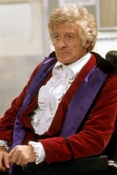 Doctor Who - incarnation (Jon Pertwee) 1970 - 1974 Doctor Who Funny, Doctor In, 4th Doctor, Original Doctor Who, Dr Who Companions, Doctor Who Costumes, Jon Pertwee, William Hartnell, Classic Doctor Who