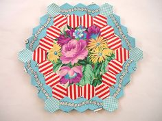 Amazing hexie from Blue Mountain Daisy Paperpieces.com Hexies - English paper piecing