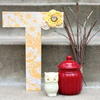Little bird has a similar letter in her room with dictionary entries all over it; I think baby sister needs one too!! How To Make Letters, Cute Letters, Monogram Letters, Wooden Letters, Yarn Wrapped Letters, Door Monogram, Cool Lettering, Letter Art, Letter Collage