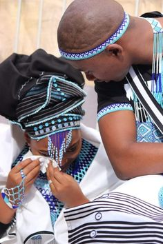 Traditional Xhosa weddings 2020 - style you 7 Xhosa Attire, African Attire, African Wear, African Style, South African Traditional Dresses, Traditional Wedding Dresses, African Inspired Fashion, African Print Fashion, South African Weddings
