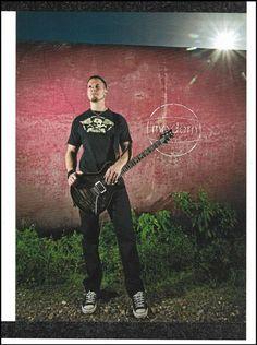Mark Tremonti 2012 PRS guitar 8 x 11 pinup photo Creed Alter Bridge Guitar Tips, Guitar Lessons, Albert Collins, Mark Tremonti, Gibson Les Paul Studio, Prs Guitar, Acoustic Guitars, Guitar Magazine, Alter Bridge