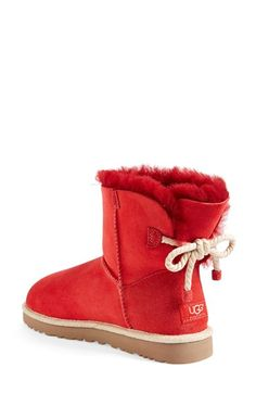 Look how cute the back of these UGGS are!