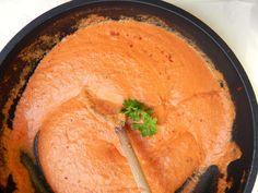 Cette sauce rosée est parfaite pour les pâtes, simple à réaliser et extrêmement goûteuse :) Seafood Rice Recipe, Seafood Soup Recipes, Chowder Recipes, Rice Recipes, Casserole Recipes, Meat Recipes, Cooking Recipes, Rose Sauce Pasta, Rose Sauce Recipe