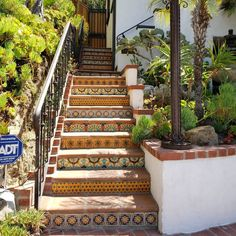 """𝑺𝒑𝒂𝒏𝒊𝒔𝒉 𝑺𝒕𝒚𝒍𝒆 𝑯𝒐𝒎𝒆 on Instagram: """"Happy Sunday! Had to stop and share this work of art with y'all, found while driving in Silver Lake. Great curb appeal with the tile stairs…"""""""