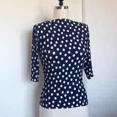 Laura Mae's Spotty blue Gable Top. Polka Dot Top, Sewing Projects, Patterns, Fabric, Instagram Posts, How To Make, Blue, Stuff To Buy, Shopping