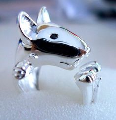 Bull terrier ring with saphire eyes