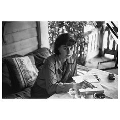 "5,457 Gostos, 12 Comentários - Magnum Photos (@magnumphotos) no Instagram: ""Today marks the 100th anniversary of the birth of Carson McCullers, American novelist, playwright,…"""
