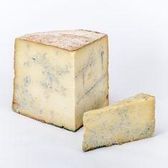 Le « bleu » de Termignon fabriqué artisanalement à 2 300 m d'altitude (rhoneAlpes), entre juin et septembre, par uniquement 4 producteurs dont les troupeaux ne dépassent pas 60 bêtes…Sa particularité vient du fait qu'il est naturellement persillé contrairement aux autres bleus qui sont ensemencés en pénicillium  si moisissure il y a (n'apparaît pas systématiquement), elle provient d'une oxydation, on se doit donc de le percer régulièrement pour faire pénétrer l'air et permettre son…