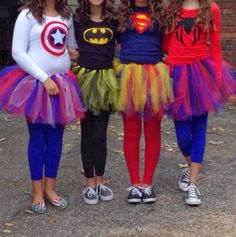 12 DIY Halloween costume for women. Try these easy DIY costume to spark at Halloween nights party. These 12 beautiful Halloween costume for girls will give you lots of goosebumps. Diy Teen Halloween Costumes, Diy Superhero Costume, Hallowen Costume, Cute Costumes, Halloween Kostüm, Amazing Costumes, Teen Costumes, Superhero Party, Group Halloween Costumes For Adults
