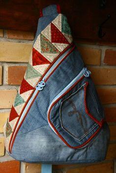 Denim Backpack, Denim Tote Bags, Denim Purse, Backpack Bags, Jean Purses, Purses And Bags, Denim Crafts, Recycled Denim, Leather Shoulder Bag
