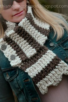 This Moment is Good...: LOOM KNIT SCALLOPED SCARF