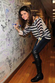 Selena Gomez Selena Gomez Selena Gomez