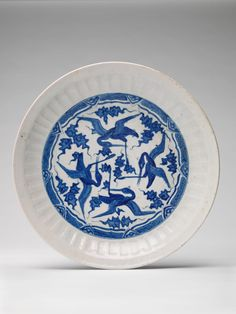 Large Dish with Flying Cranes Classification     Vessels Work Type     vessel  Date     c. 1620 Places     Creation Place: Middle East, Iran  Period     Safavid period Culture     Persian