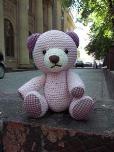 GlobeIn: Crochet bear toy pink color