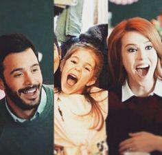 Twitter Elcin Sangu, Turkish Actors, Barista, Good Movies, Movies And Tv Shows, Cute Couples, Relationship Goals, Movie Tv, Actresses