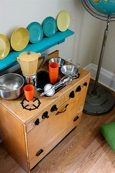 Smile and Wave: The Vintage Play Kitchen!