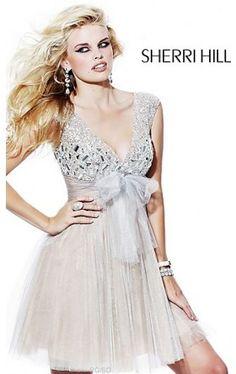 V-Neck Short Pleated Dress SH-1527