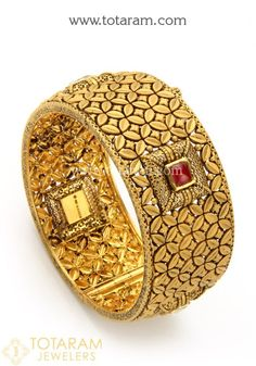 Gold Jewelry Design In India Indian Gold Jewellery Design, Gold Bangles Design, Gold Jewelry, Jewelry Design, Gold Necklace, Gold Bangles For Women, Gold Bracelet For Women, Bollywood Jewelry, Bangle Bracelets