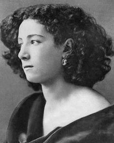 Sarah Bernhardt, born in Paris, 1844, died in Paris, 1923. Lovely photo