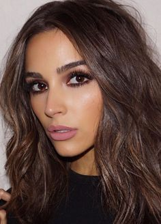 """""""My off duty hair is air-dried, but I'll bend the ends with a curler or an iron. I try to keep it as minimal as possible, but I'll use something. It's like, I'm not a makeup at the gym person, but I'll always use a hair tool."""" - Olivia Culpo on her hair a Medium Hair Cuts, Medium Hair Styles, Long Hair Styles, Redhead Makeup, Brunette Makeup, Wedding Hair And Makeup Brunette, Wedding Makeup For Brunettes, Glam Hair, Makeup For Brown Eyes"""