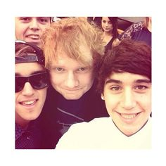 OMG! the Almighty Ginger and the janoskians in one pic!!! I cant