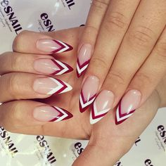 @nikitaleys Unintentionally Christmassy but I love me a candy influenced nail…