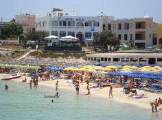 HOTEL GIGLIO via Lido Azzurro 9 92010-Lampedusa  http://www.hotelgigliolampedusa.upps.it Das Hotel Giglio ist ein kleines Hotel in Lampedusa in Via Lido Azzurro n entfernt. 9, dessen Position ist einzigartig, weil es gegenüber dem Strand von Guitgia (ca. 30 m). Dominiert wird das Panorama der Bucht mit dem gleichen Namen, ist auch vom Strand von Cala Croce etwa 150 mt., Ca. 1 km vom Zentrum entfernt.