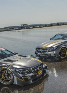 The Mercedes-AMG team presents the 2016 race car, with dynamic-looking headlights and the twin blade grill. The headlights and grill are two of the car's most striking features and are typical of the AMG.