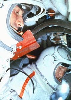 Belyayev and Leonov in their capsule (prior to mission) (Ria Novosti/Science Photo Library)