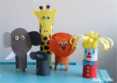 Girafe éléphant lion clown en rouleau papier toilette - Paper roll craft Toilet Paper Roll Crafts, Paper Crafts, Diy Crafts For Kids, Arts And Crafts, Clown Crafts, Shabby Home, Craft Activities, Diy Cards, Holiday Crafts