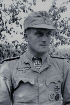 "Major d.R. Siegfried Grabert (1916-1942), Chief 8./Bau-Lehr Regiment z.b.V. 800 ""Brandenburg"", Ritterkreuz 10.06.1941, Eichenlaub (320) 06.11.1943"