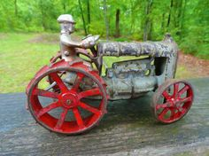 VTG Antique 1930s ARCADE FORDSON CAST IRON TOY Farm Tractor & Driver