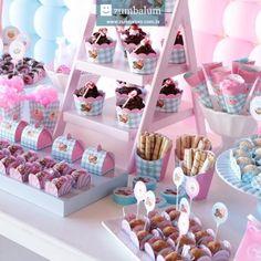 Decoração festa infantil tema Doces Candy e Cupcakes - Batizado da Bia