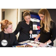 In de #kapsalon van http://ift.tt/2lhadaO geven wij het juiste advies voor jou perfecte #haarkleur onze #hairstylist Wendy creëert het mooiste resultaat. #kapsalon #beautysalon #nagelstudio #massagesalon #Almere #totaleservice