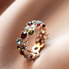 The most widespread of engagement customs is the groom presenting his bride to be with a ring. A lot of often, the engagement ring is a diamond ring. However, diamonds are not the only jewels utilized in engagement rings. I Love Jewelry, Jewelry Rings, Jewelry Box, Jewelry Accessories, Fashion Accessories, Fashion Jewelry, Gold Jewelry, Fine Jewelry, Marcasite Jewelry