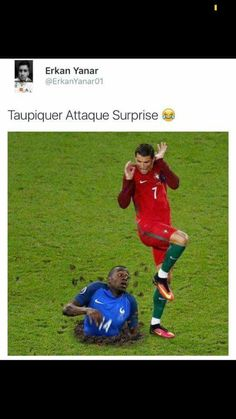 Read special football from the story Images Trop Drôle( Internet) by flbibiche with reads. Funny Video Memes, Stupid Funny Memes, Funny Pins, Funny Images, Funny Photos, Rage, Pokemon, Prank Videos, Funny Moments