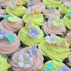 Pastel colours perfect for a garden tea and cupcake party! Fun Cupcakes, Cupcake Party, Pastel Colours, Delicious Food, Birthday Cake, Tea, Garden, Desserts, Cool Cupcakes